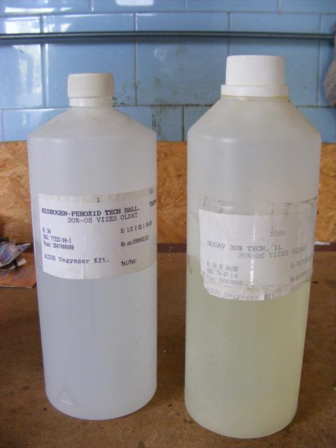 Hidrogén-peroxid (H2O2) és sósav (HCl)
