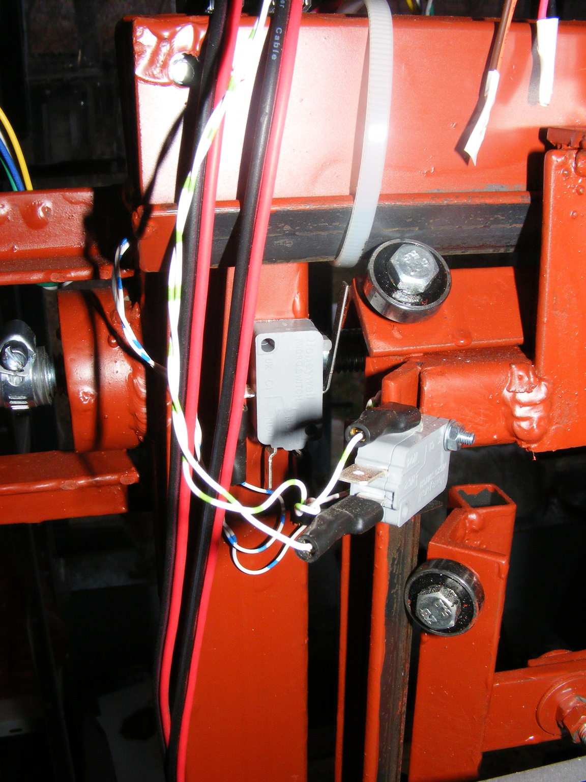 CNC végállás kapcsolók
