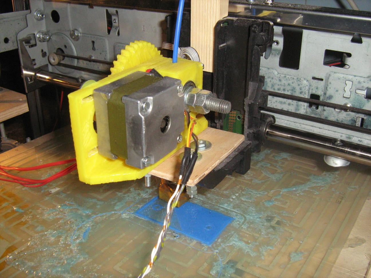 3D nyomtatófej régi floppimotorral