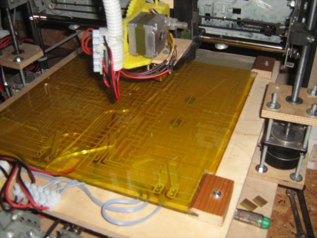 3D nyomtató ágy, Kapton ragasztószalaggal fedve