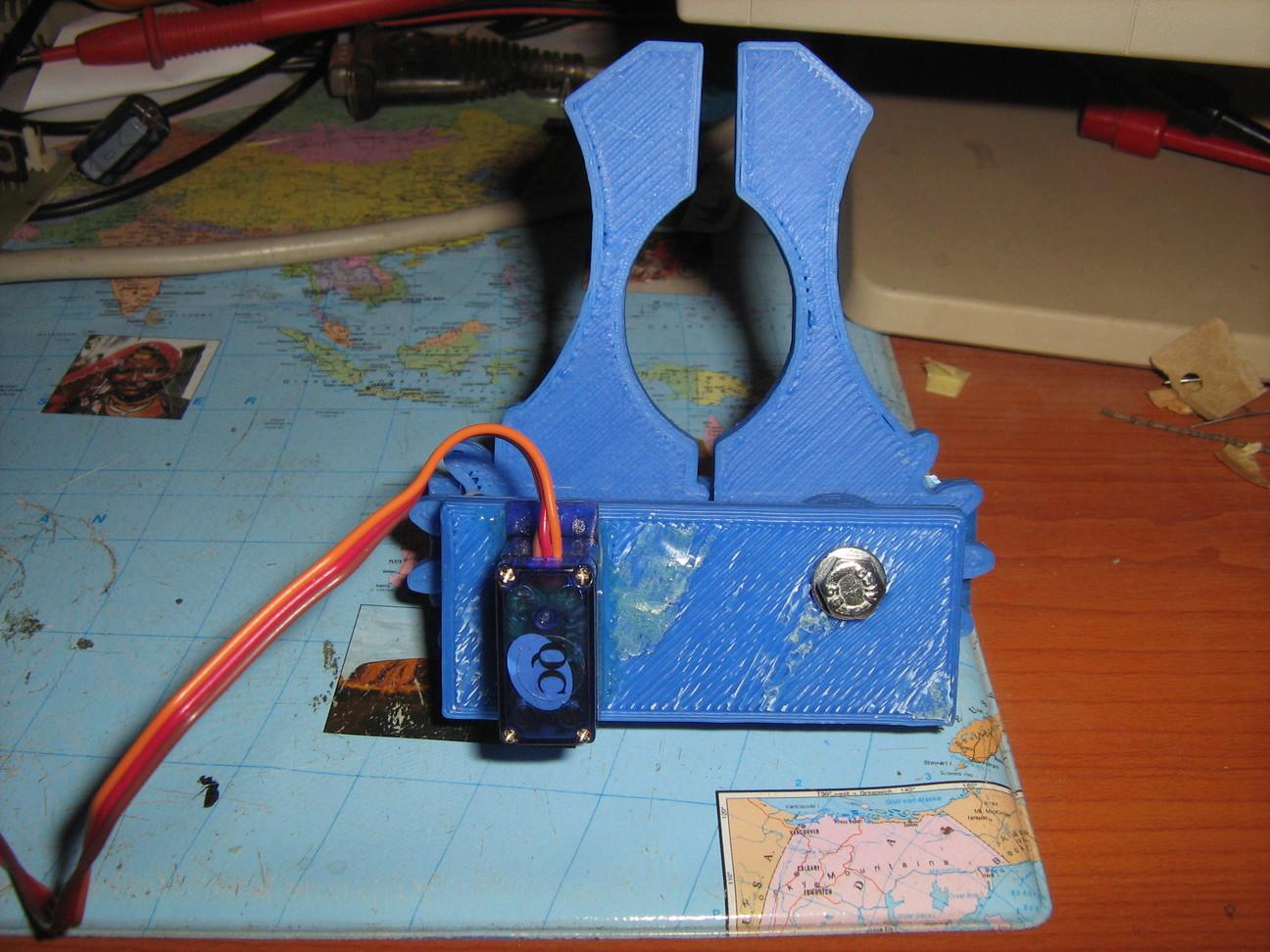 3D nyomtatással készült robot kéz (robot grip)