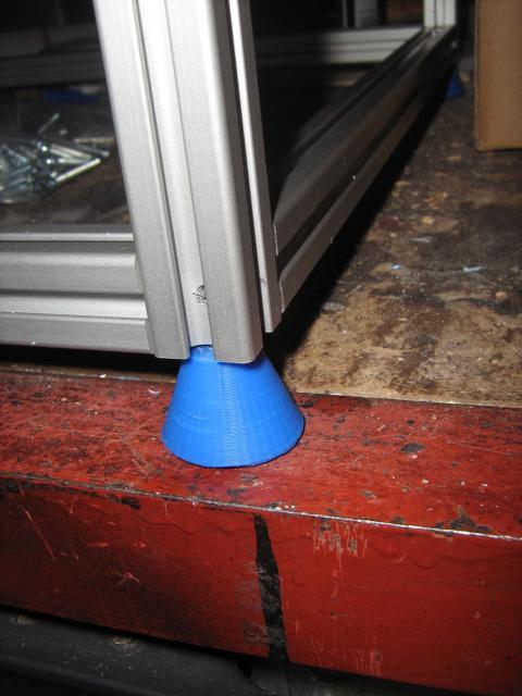 A CoreXY nyomtató lába beszerelve