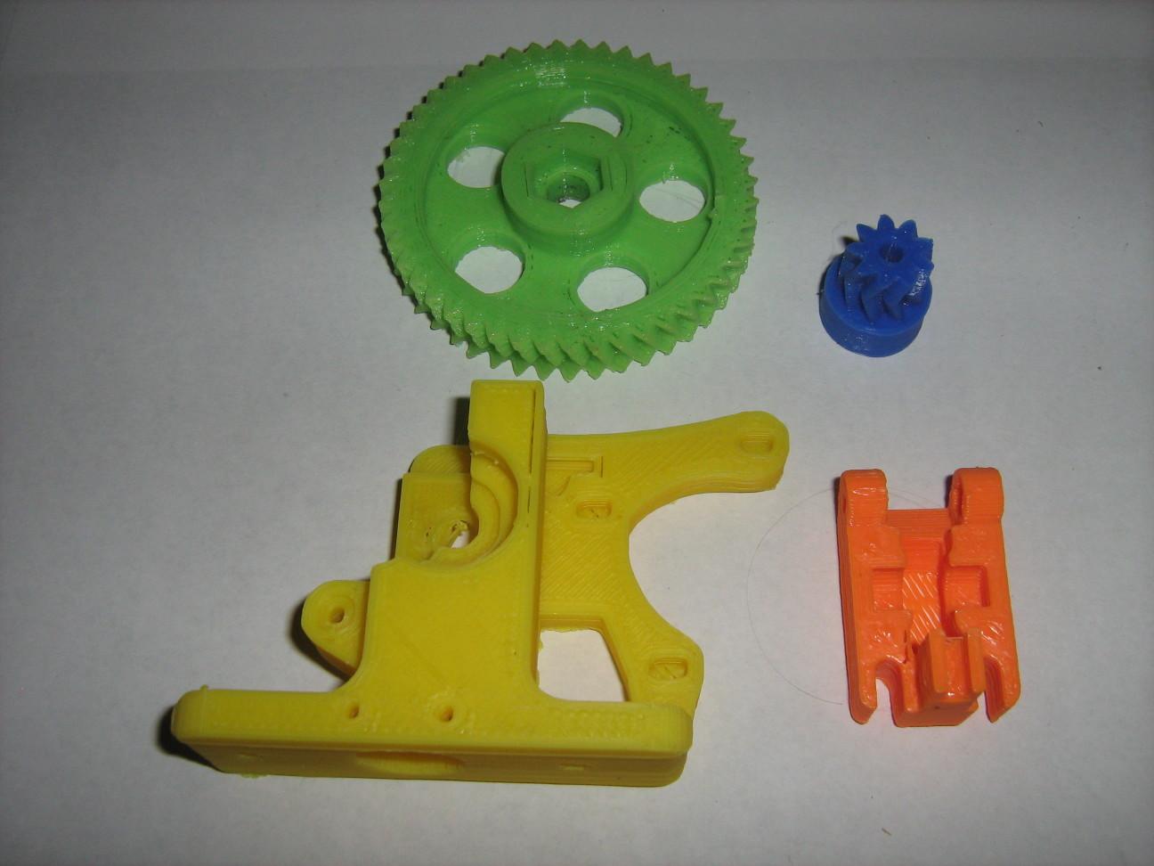 3D nyomtatófej alkatrészei kinyomtatva