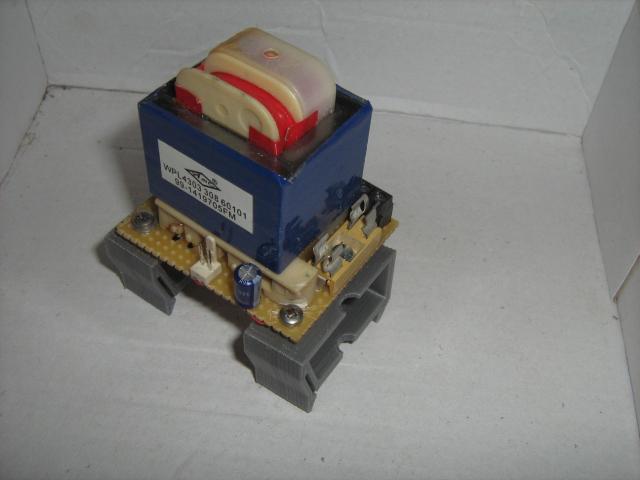 3D nyomtatással készült DIN sínre pattintható tartó 2.